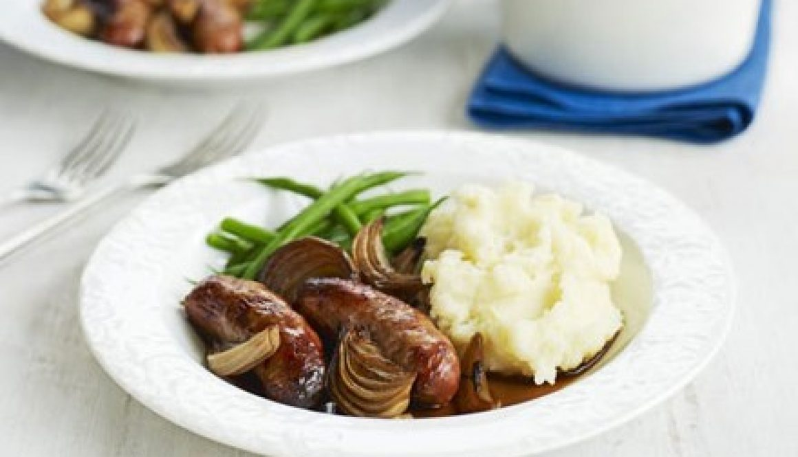 Simple Sausages with Quick Onion Gravy